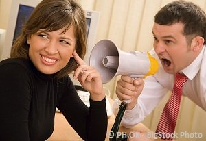 employer-shouting-over-the-assistant